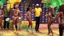 Usain Bolt danse la samba en conférence de presse