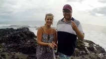 Selfie fail au bord de la mer : vague géante