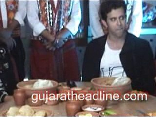 Hrithik Roshan and Pooja Hegde eating Gujarati Thali in Ahmedabad at Mohenjo Daro promotion