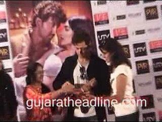 Hrithik Roshan and Pooja Hegde in Ahmedabad promotes Mohenjo Daro movie