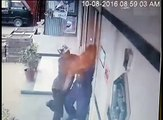Bank robber throw red chilli powder in bank security guard