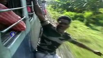 Mumbai-Train-Stunt-Videos-Dangerous-Stupid-Crazy-Train-Stunts