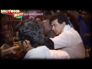 Jeetendra ABUSES fan in public