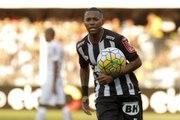 Dorival comenta atuação de Robinho contra o Santos e exalta marcadores do Peixe