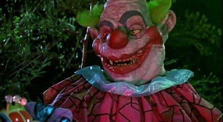 killer klowns from outer space-1988- [Payasos Asesinos Del Espacio Exterior] PARTE 1