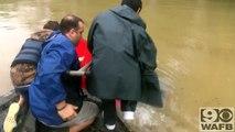 Il sauve cette femme et son chien de la noyade en Louisiane