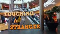 Séduction Sur L'escalator: Voici Les Réactions Les Plus Drôles Des Personnes
