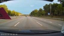 Un conducteur distrait perd le controle de sa voiture : énorme accident sur l'autoroute