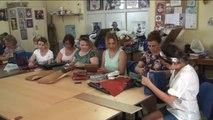 Deri, Ayvalıklı Kadınların Elinde Çanta Olarak Hayat Buluyor