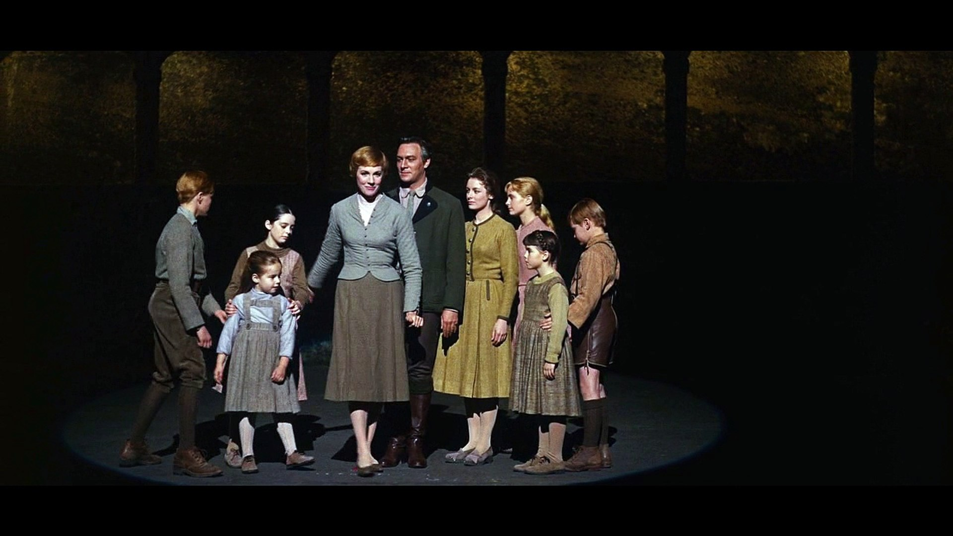 Cast of The Sound Of Music - So Long Farewell (reprise) [Video]