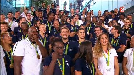 Tous les athlètes français des JO réunis au 20h de France 2 - Regardez