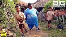 Dünyanın En Kilolu Çocuğu 10 Yaşında ve 192 Kilo..! The World's Fattest Child 192 Kilograms..!