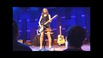 Susanna Hoffs beautiful performance