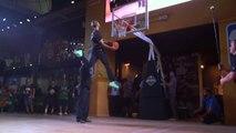 Des stars de la NBA ébahies par un dunker du public