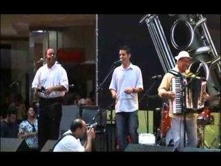 Dominguinhos e Mariana Aydar cantam 'Xamego'