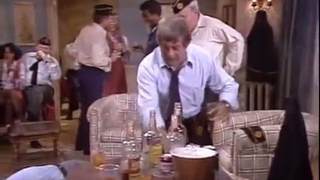 All in the Family S9 E07 - Archies Other Wife