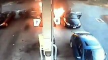 Ce chauffard percute une pompe à essence en marche arrière et provoque son explosion