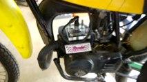 Ce cylindre en verre de moto laisse voir les explosions du moteur