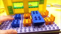 New PEPPA PIG Nickelodeon Peppa and George School House Blocks Like Lego Unboxing - WD Toys