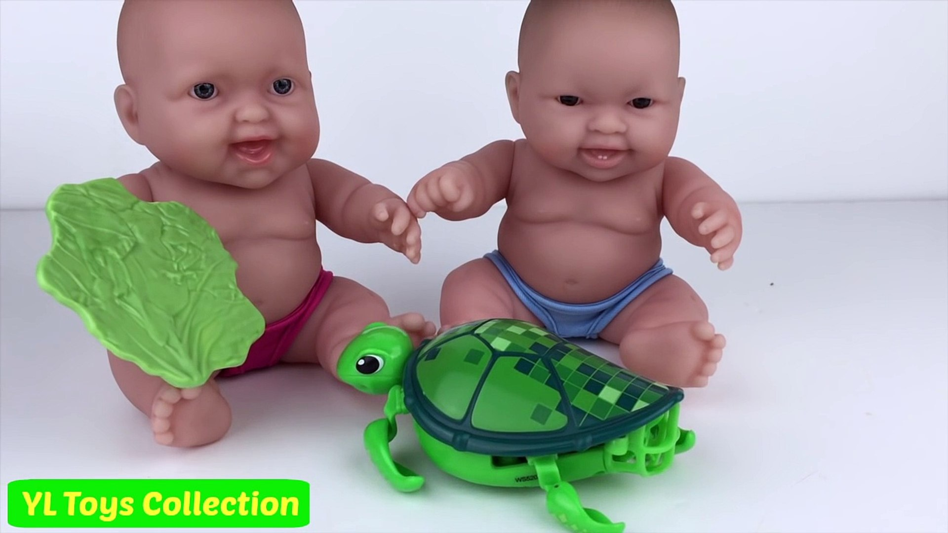 Baby Doll # 36 - Baby have a Little Live Pets by YL Toys Collection