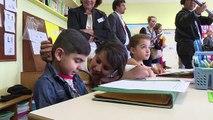 Valls appelle à «préserver» l'école des «débats politiciens»