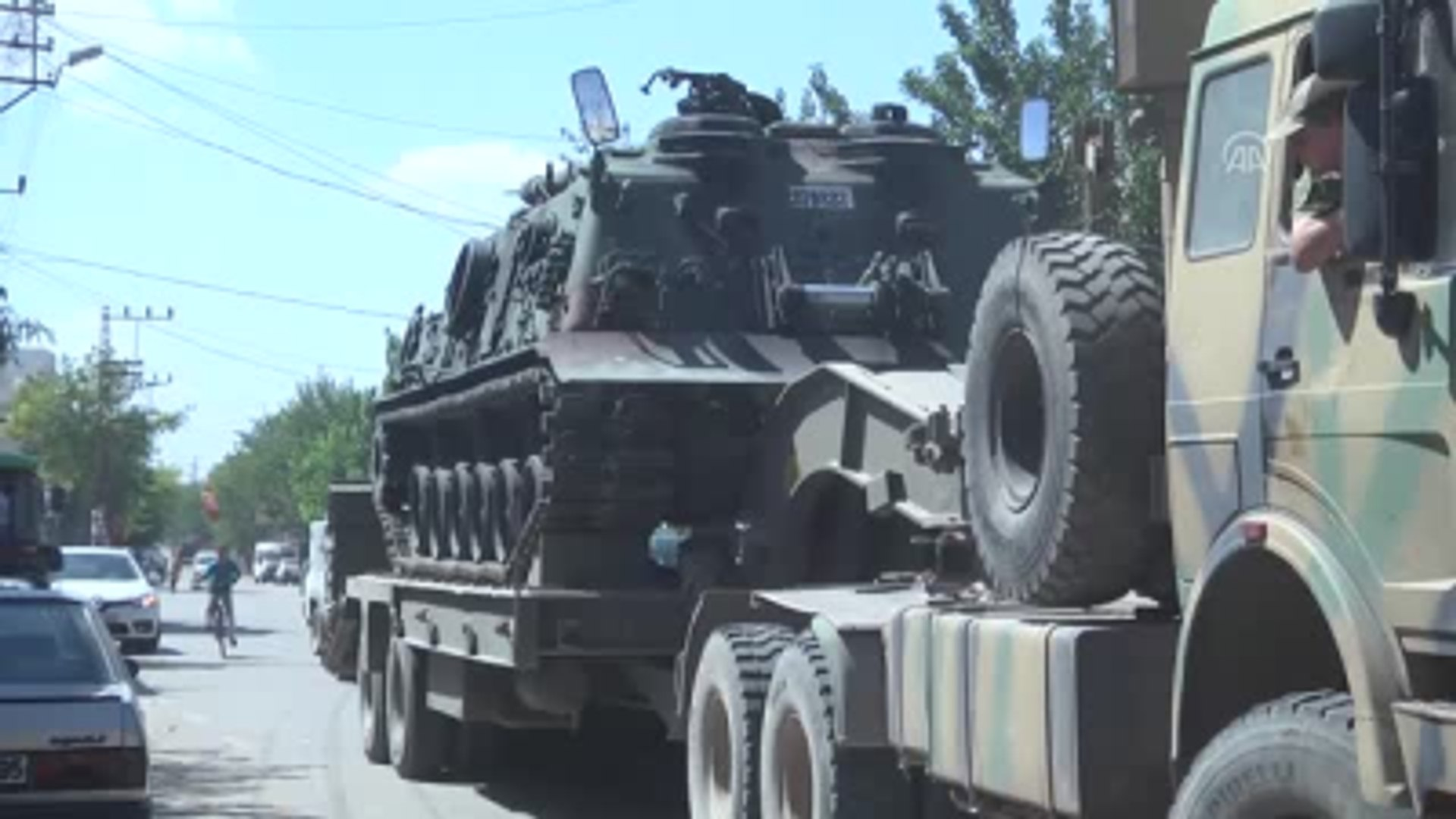Suriye Sınırı, Zırhlı Araçlar ve Tanklarla Takviye Edildi