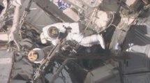 Nasa: deux astronautes sortent dans l'espace pour réparer la station internationale