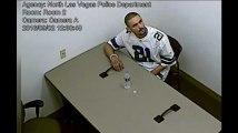 Les policiers n'auraient pas dû le laisser seul dans la salle d'interrogatoire
