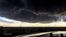 Formation d'une tornade filmée en 4K de près !