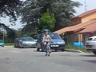 gaylor qui fait du vélo