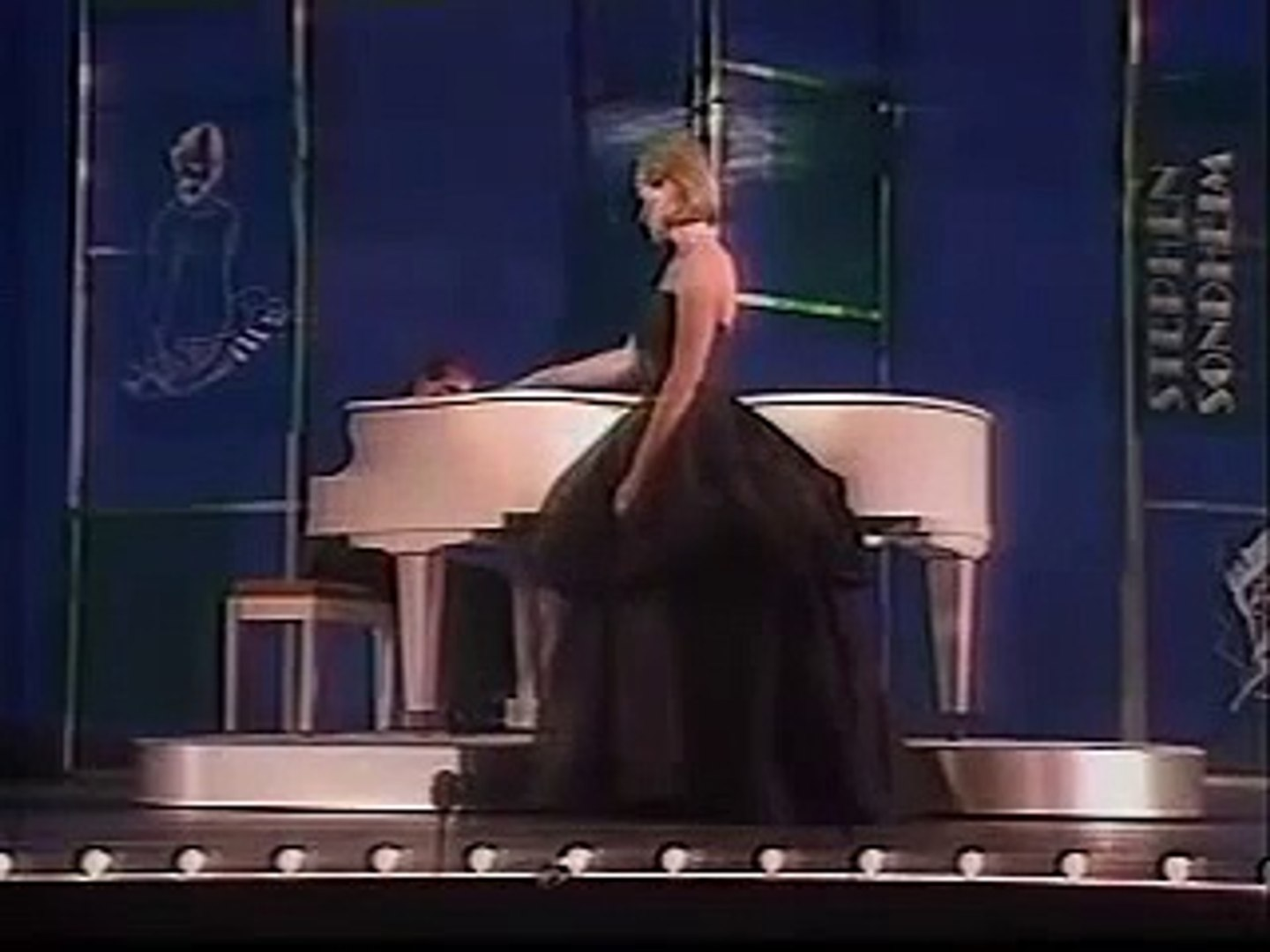 Send in the clowns - A little night music - Julie Andrews - 1984