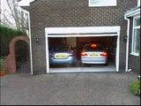 Invention géniale pour garer 2 voitures dans un petit garage : glissières intelligentes