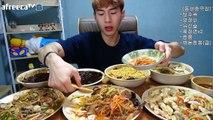[EngSub]Banzz▼Missing even one is a shame Banzz style Chinese food [EngSub] 밴쯔▼ 하나라도 빠지면 아쉬운 밴쯔식 중국집 완전체 먹방! 160906
