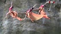 2 danseurs chinois font leur chorégraphie sur une montagne