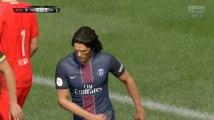 Visiblement, dans FIFA 17 aussi, Cavani a du mal à marquer
