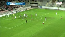 Coup franc d'Omrani repris de la tête par un défenseur ; corner