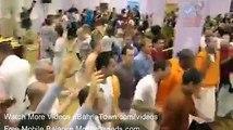 zara inka dance daikhain kamal ka ha