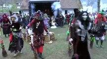 Danse de sorcières sur du raggae electro dans un festival... WTF