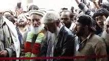Sufia Noorbakhshia: - Murshid e Azam Bawa Faqir Mohammad Ibrahim sb Cutting fitta of Masjid in sufi pang