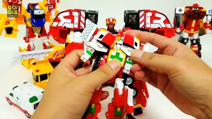 Carbot Rescue FireTruck Ambulance Police SchoolBus Vehicle 4 Combo Transformer Robot Car Toys