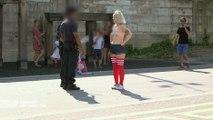 Sarah Constantin court seins nus dans les rues de Paris