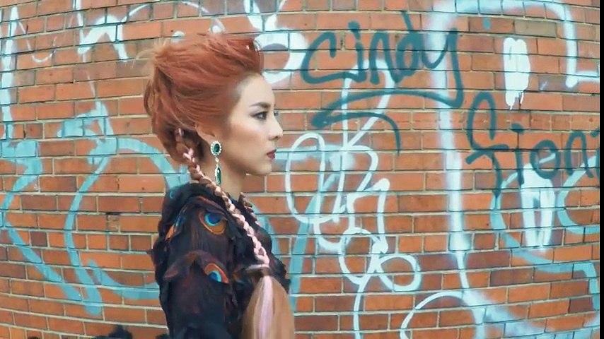 Dara xuất hiện đẹp như nữ thần trong đoạn clip thời trang mới nhất | Godialy.com