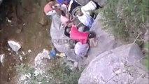 Report TV - Tiranë, ra në humnerë në Bovillë Ndërron jetë në spital 32-vjeçari