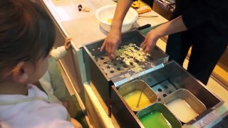 Japonların Su Üzerinde Yaptıkları İlginç Yiyecekleri