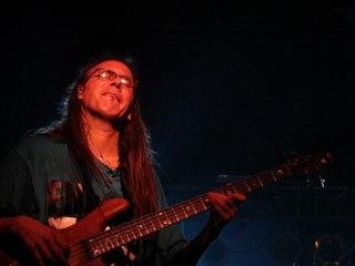 Nunca viste tocar el bajo asi - Marcelo Schneider