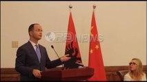 """Ora News- Bushati në forumin ekonomik, fton kinezët të investojnë në """"Korridorin Blu"""""""