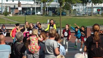 Dansfeest op het Theaterplein Spijkenisse Deel 1