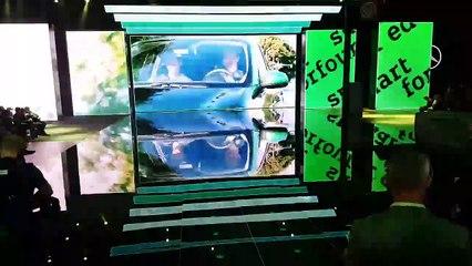 Mondial de l'Automobile à Paris - Mercedes présente ses nouvelles voitures (version courte)
