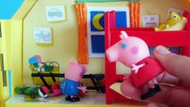 Peppa Pig - Mummy Pigs angry with Peppa and George - Toys English Episodes