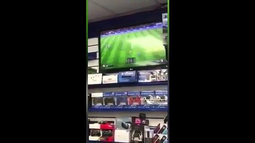 Destruyó Xbox en una tienda por ¡perder en FIFA 17!
